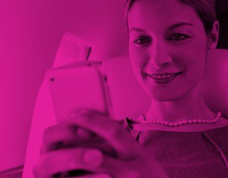Holidaymakers' Phone Habits Revealed by AeroMobile - Image 1