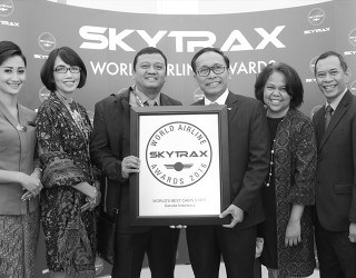 Garuda Indonesia world's best cabin crew 2016 by RoosterPR - image 2