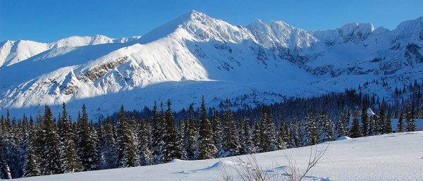 Mountain Paradise Launches Weekend Ski Packages - Image 3
