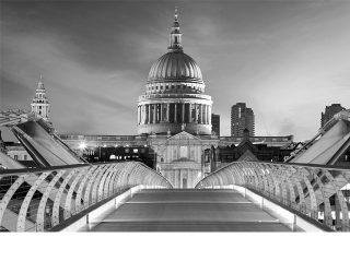 London's PR Crisis by RoosterPR - img 2